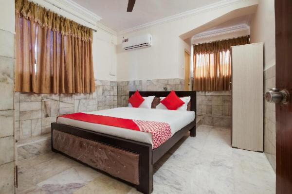 OYO 22907 Hotel Holiday Hyderabad