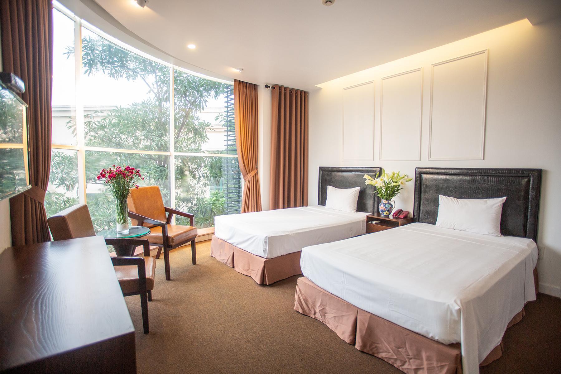 Dinh Hotel
