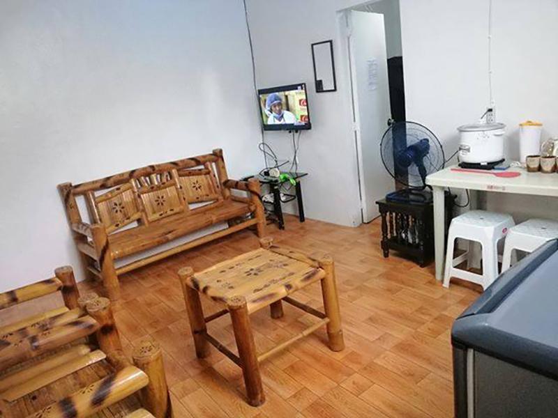 Anilao Port Transient House W  AC