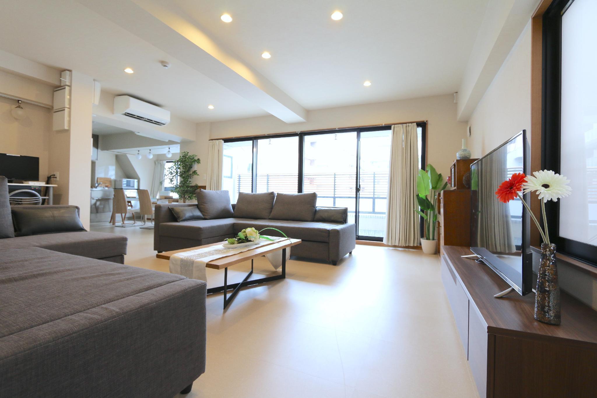 EG71 Luxary Penthouse  3 Bedroom  Kuromon  10pax