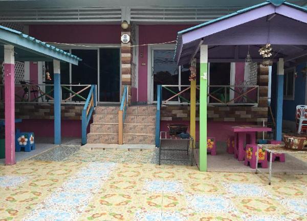 Tanatcha House Pattaya