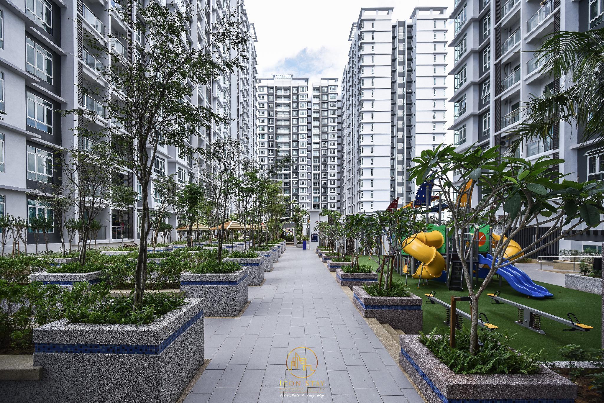 Parkland Residence Condominium