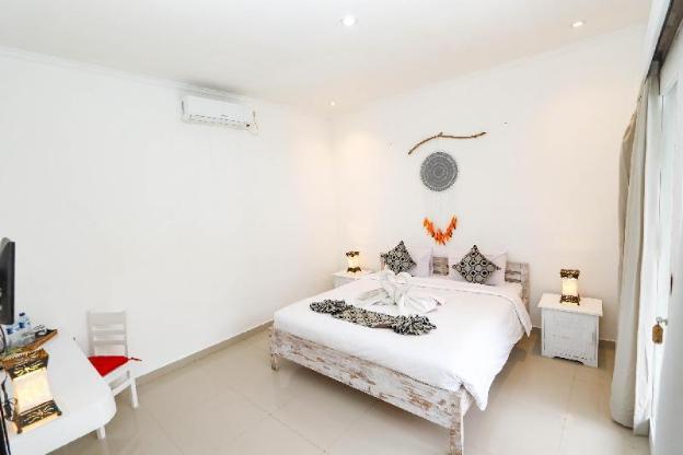 White Dove Superior Room POOL VIEW