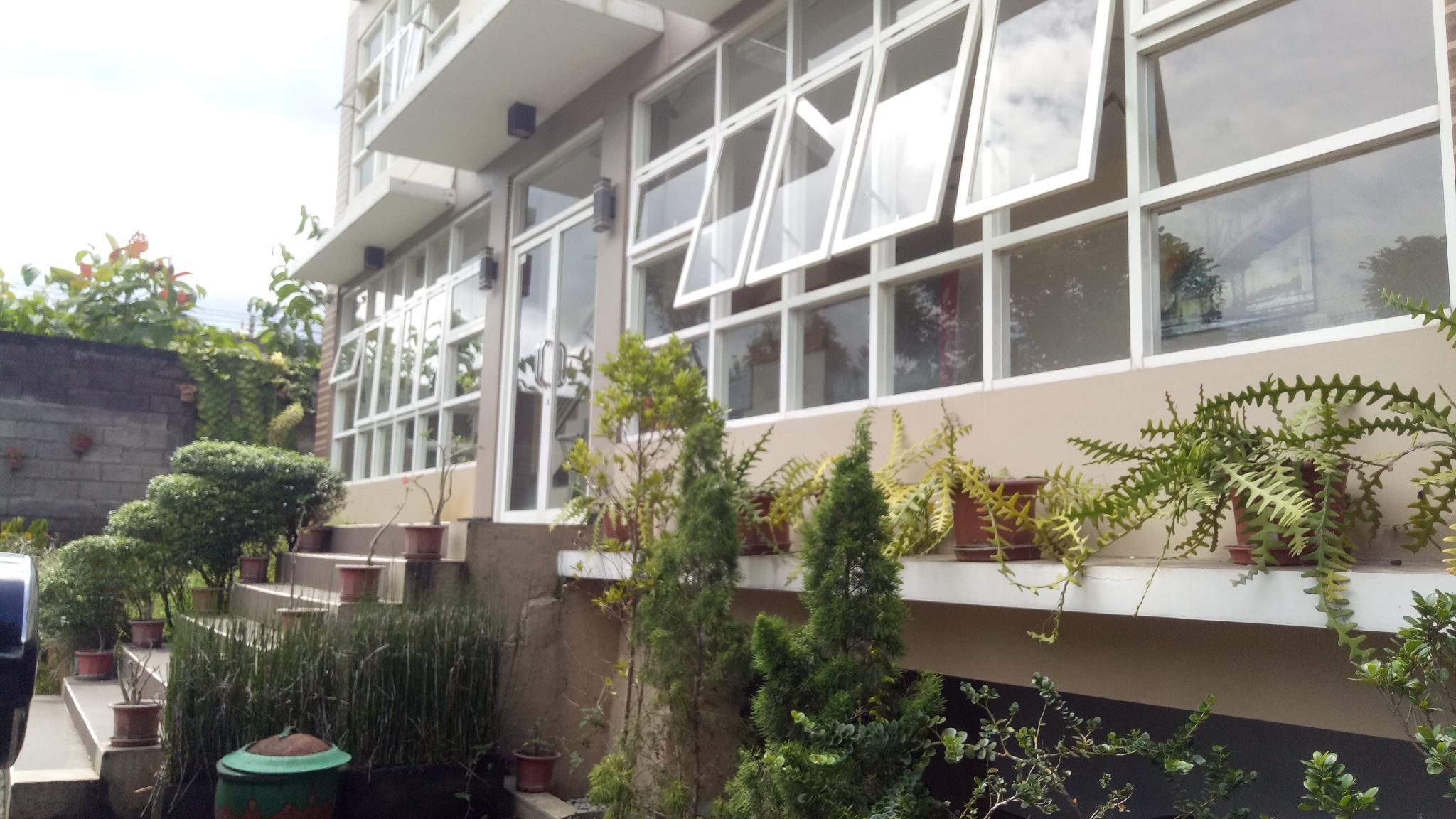 Anyelir Double Room 15 Minutes To UMM Malang