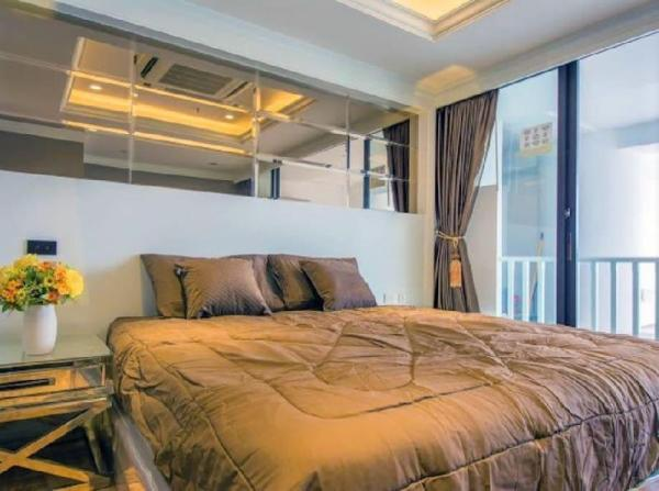 Luxury Painthouse 1Br.-5mins BTS Taksin Silom Rd. Bangkok