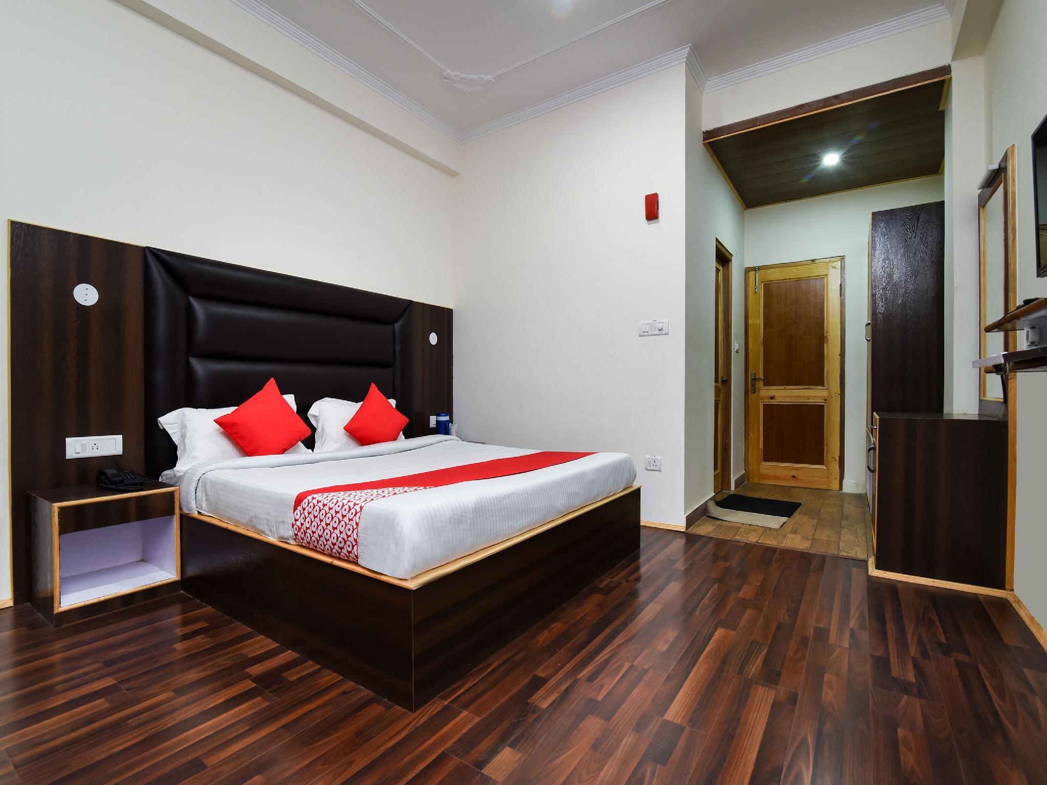 OYO 15699 Hotel Conifer