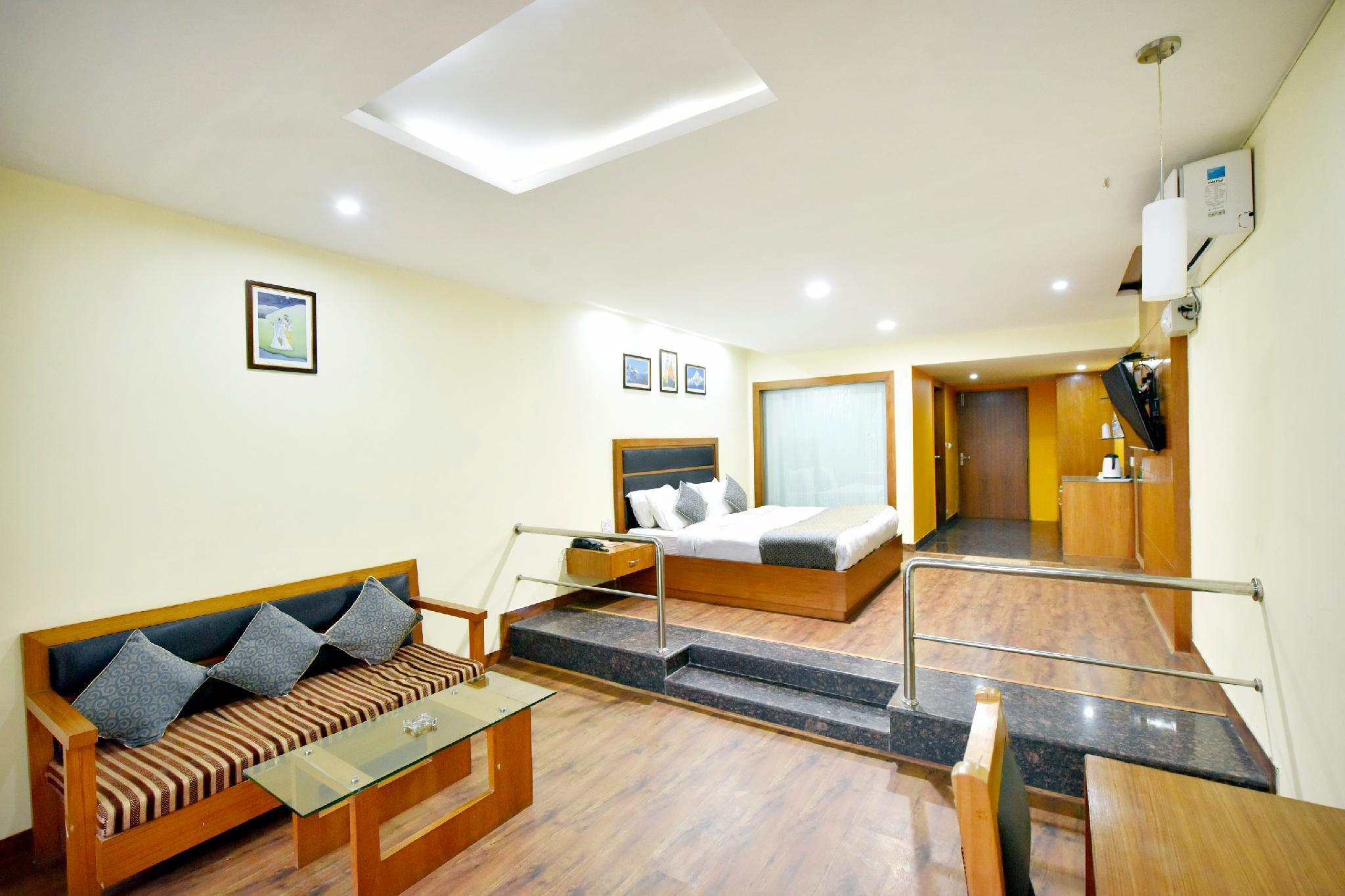 OYO 12270 Hotel Shobla Royale