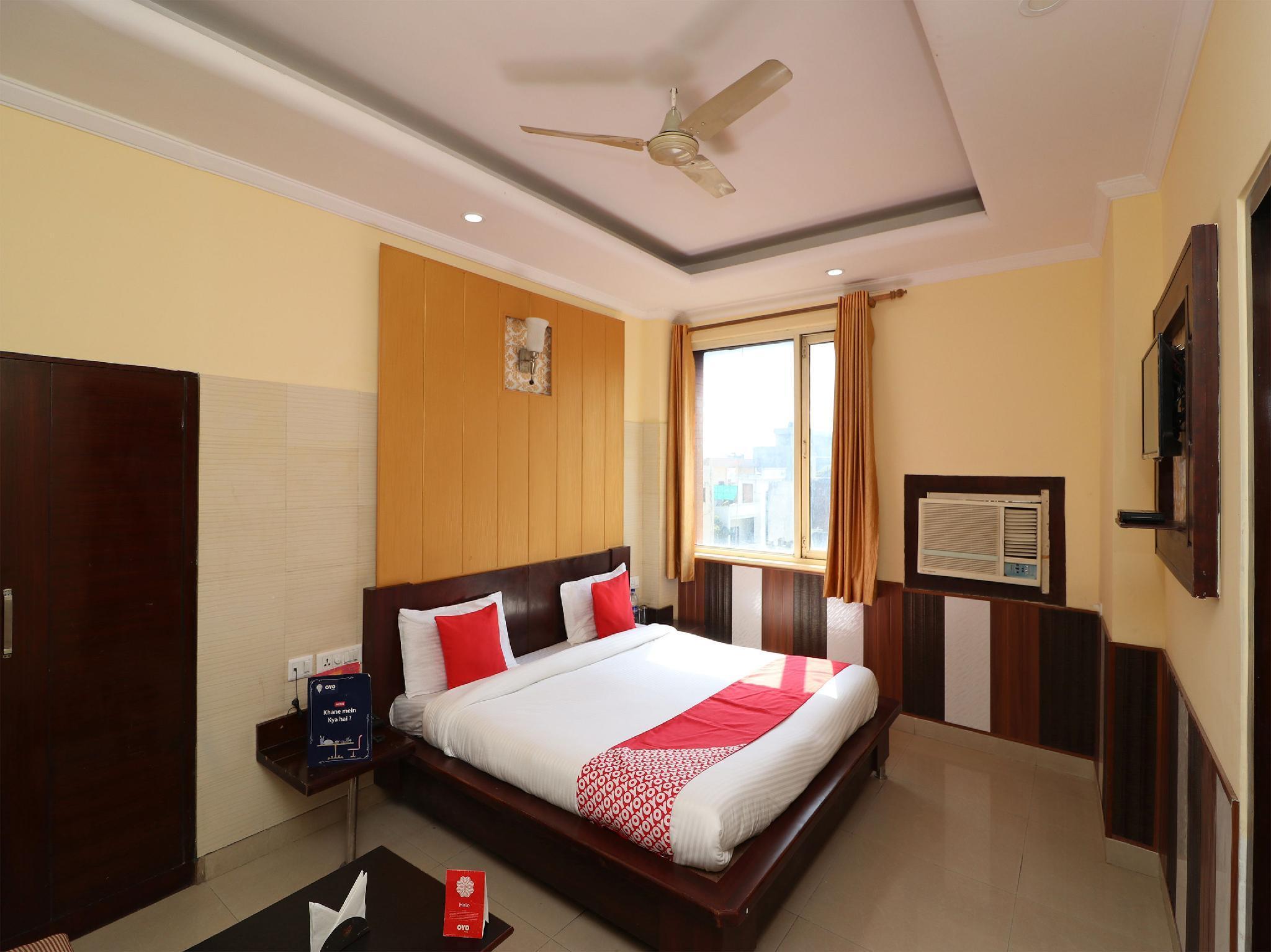 OYO 3735 Hotel Chilana Tower