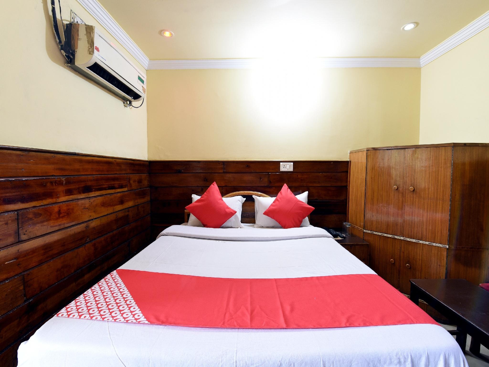 OYO 19541 Hotel Jammu Palace