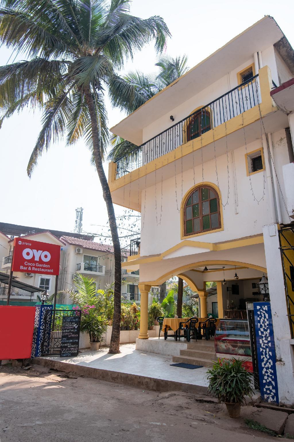 OYO 27909 Coco Garden Bar And Restaurant