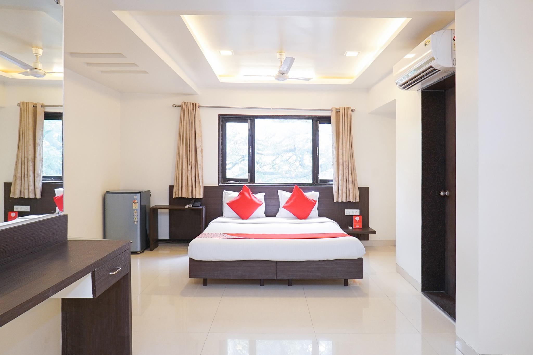 OYO 3452 Hotel Coconut Grove