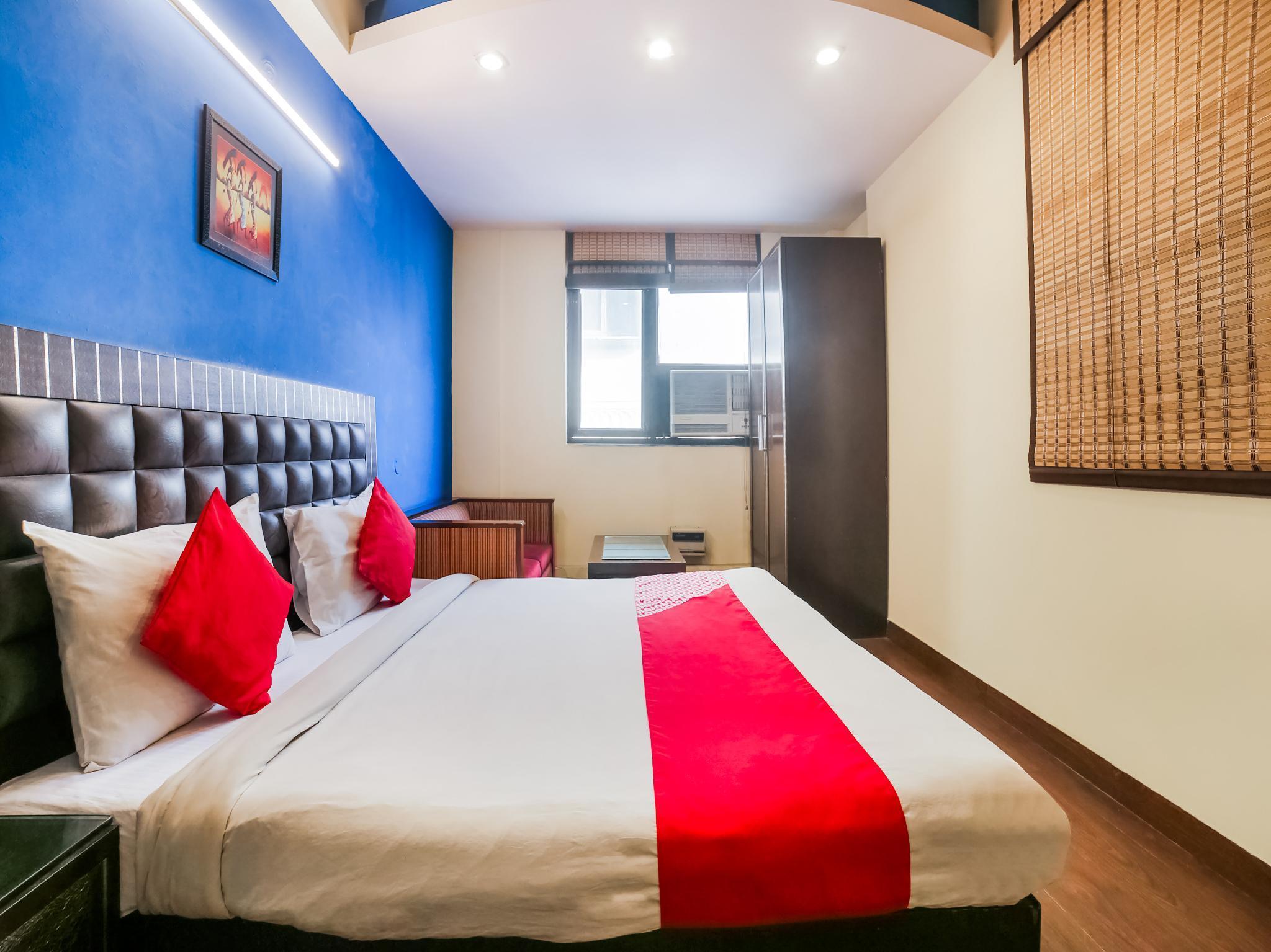 OYO 1172 Hotel Swiss International