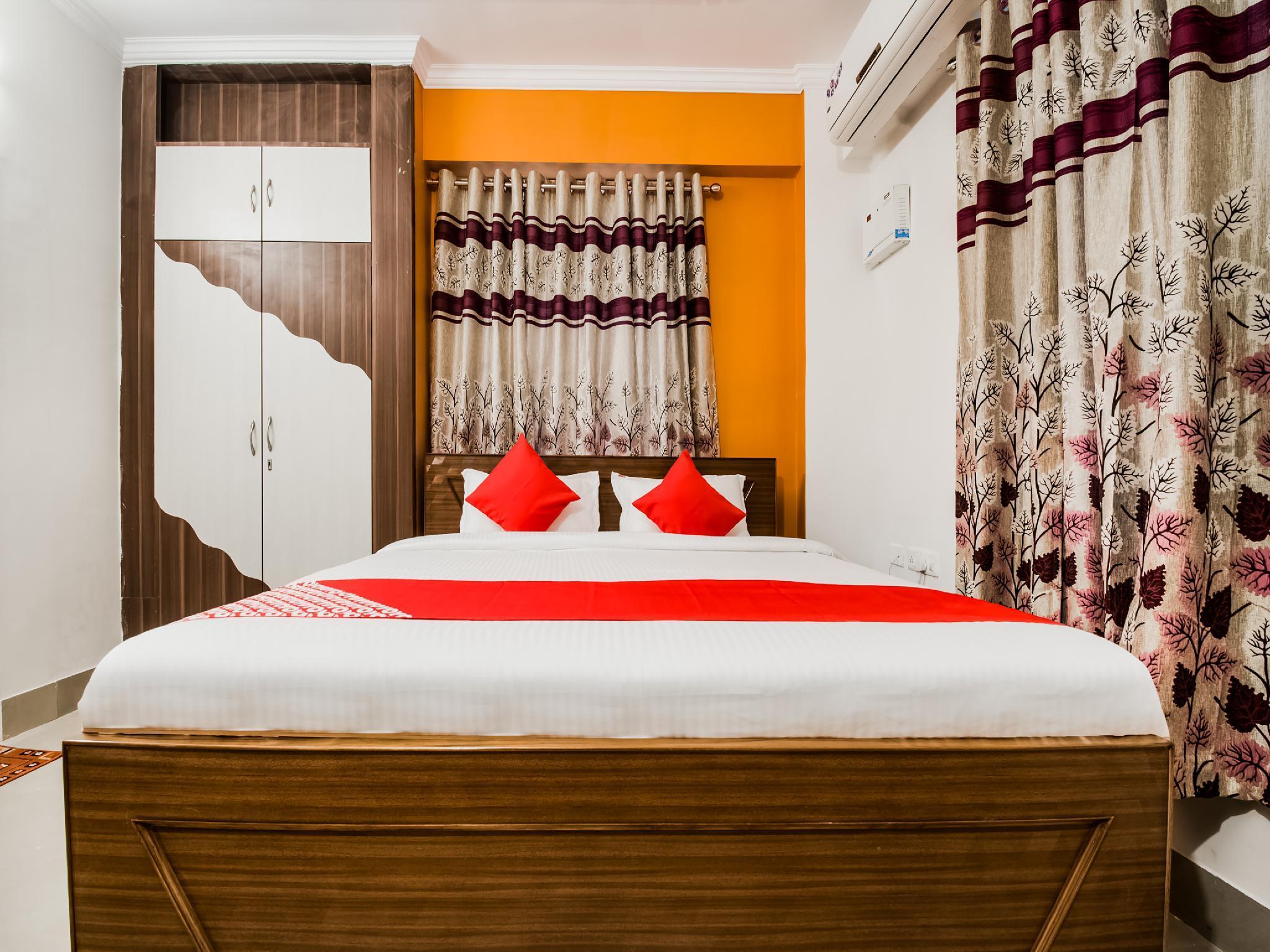 Capital O 27616 Hotel Mega Royal