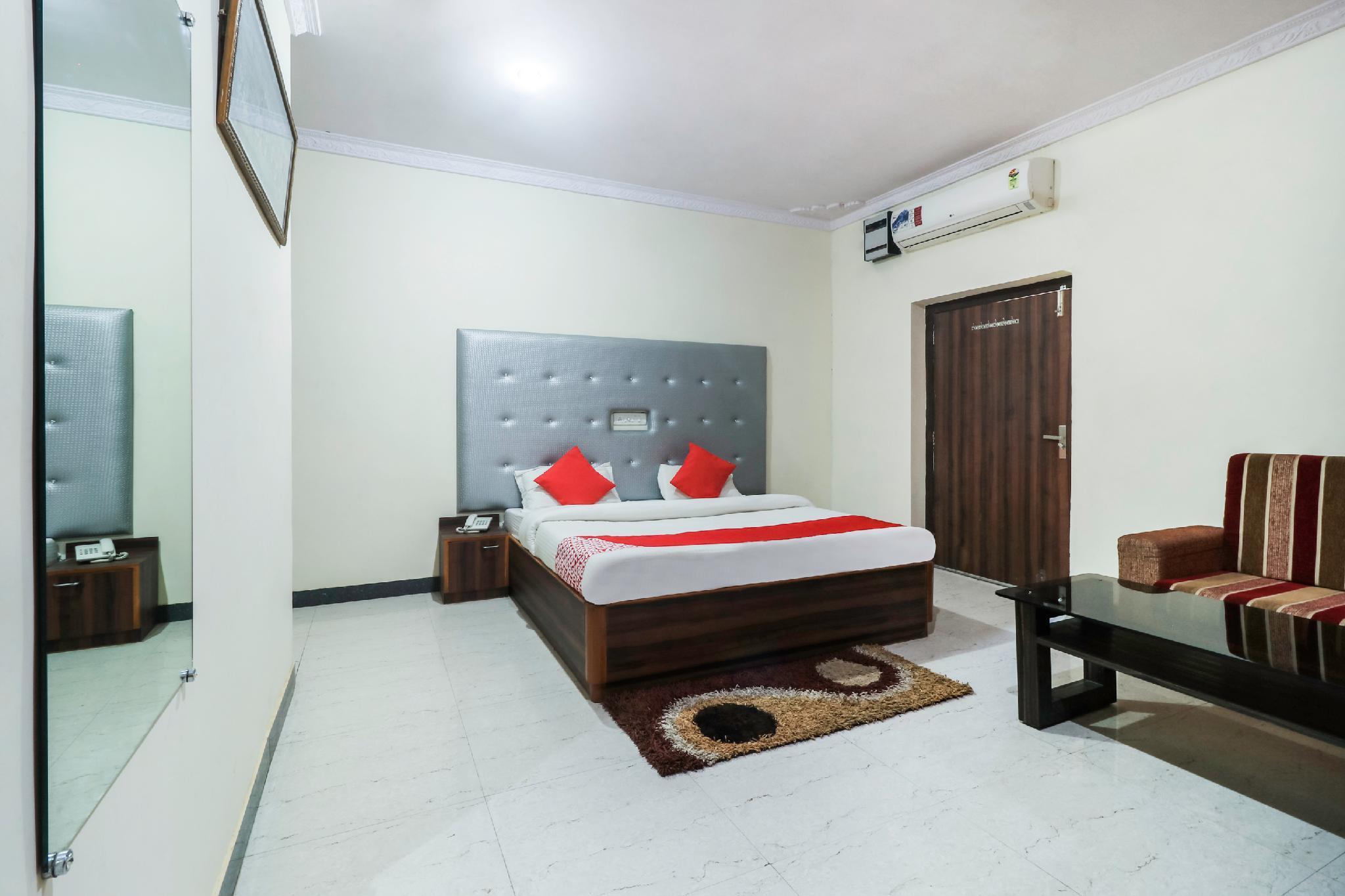 OYO 29089 Hotel Shiv Villas