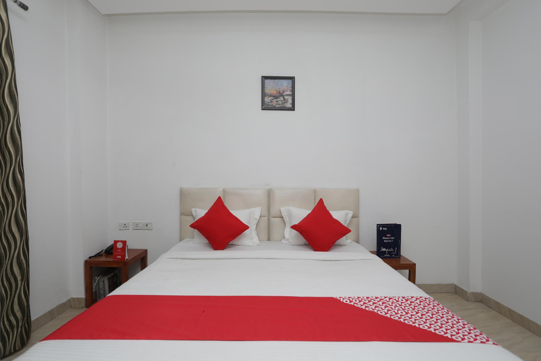 Oyo 12314 Hotel Blue Diamond