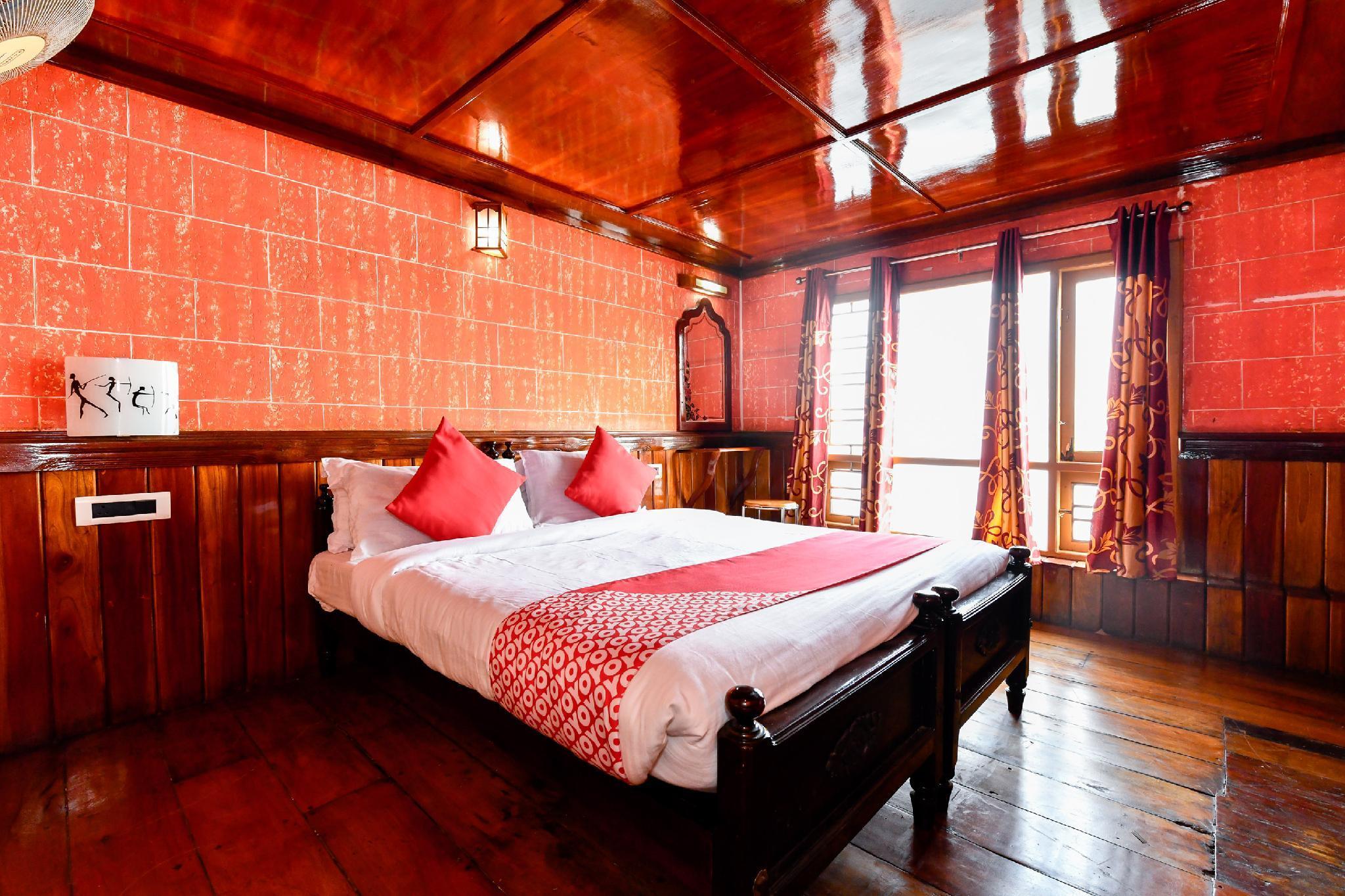 OYO 24146 Houseboat Anugraha 6bhk