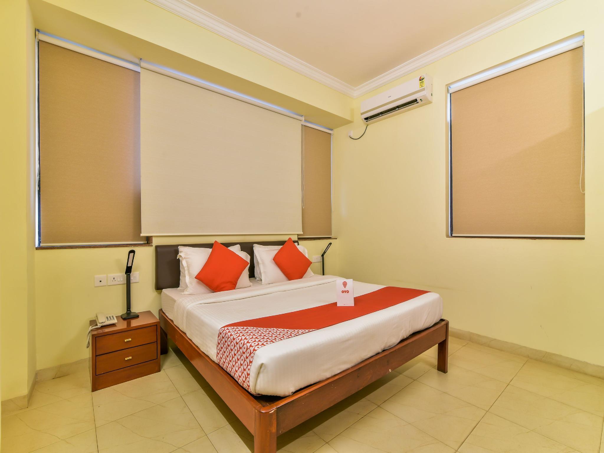 OYO 14930 Gomati Business Hotel
