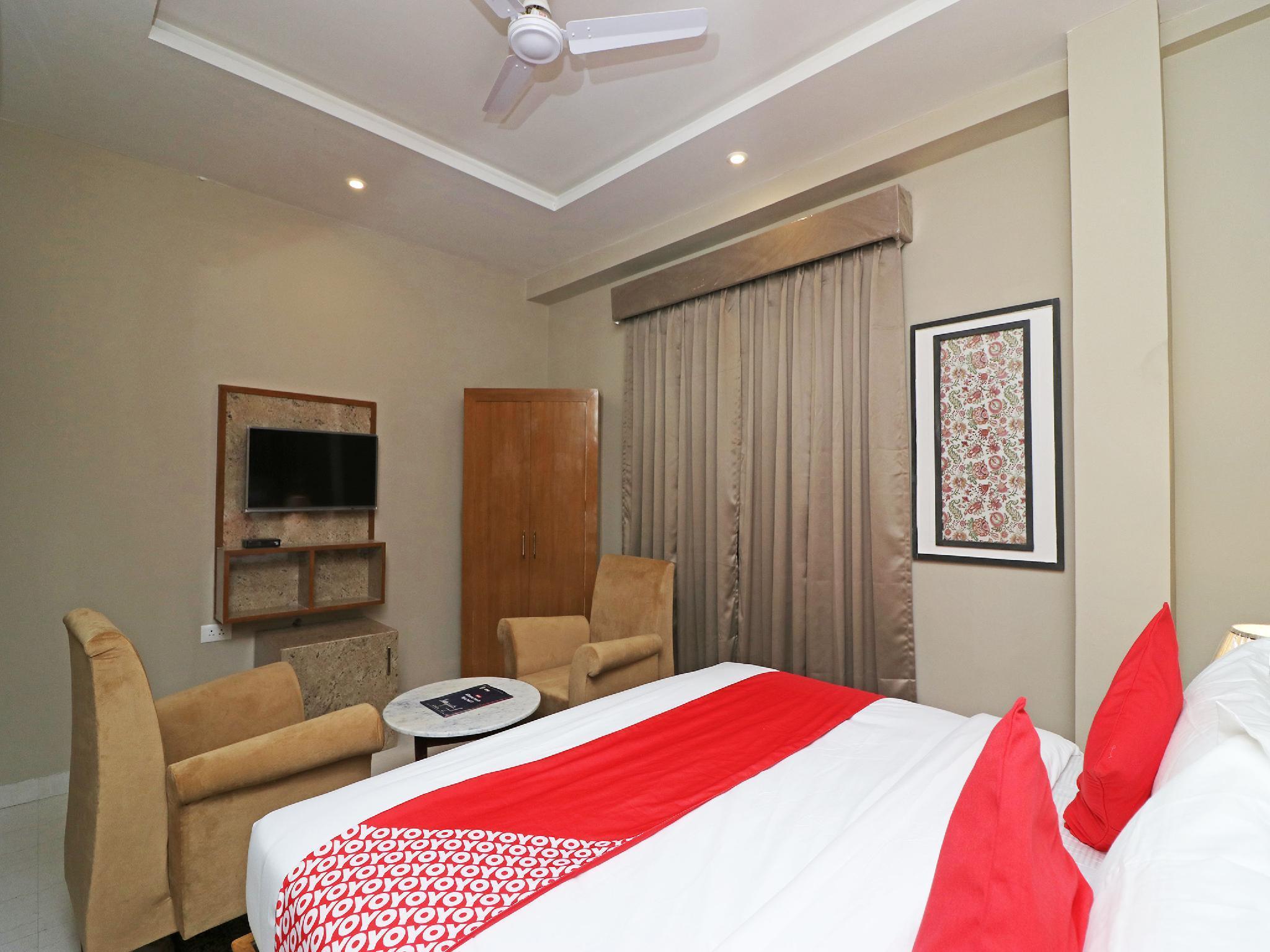 OYO 13035 Noosa Hotel