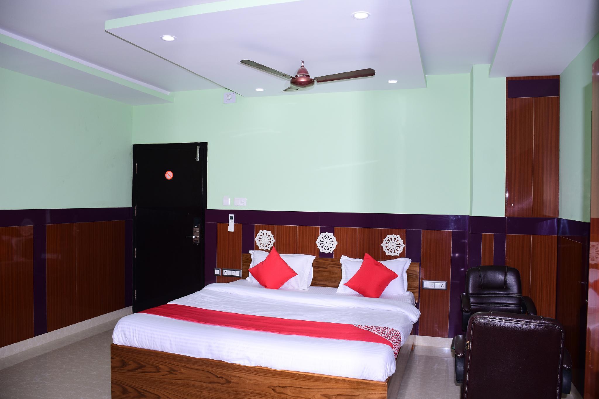 OYO 27951 Hotel 707