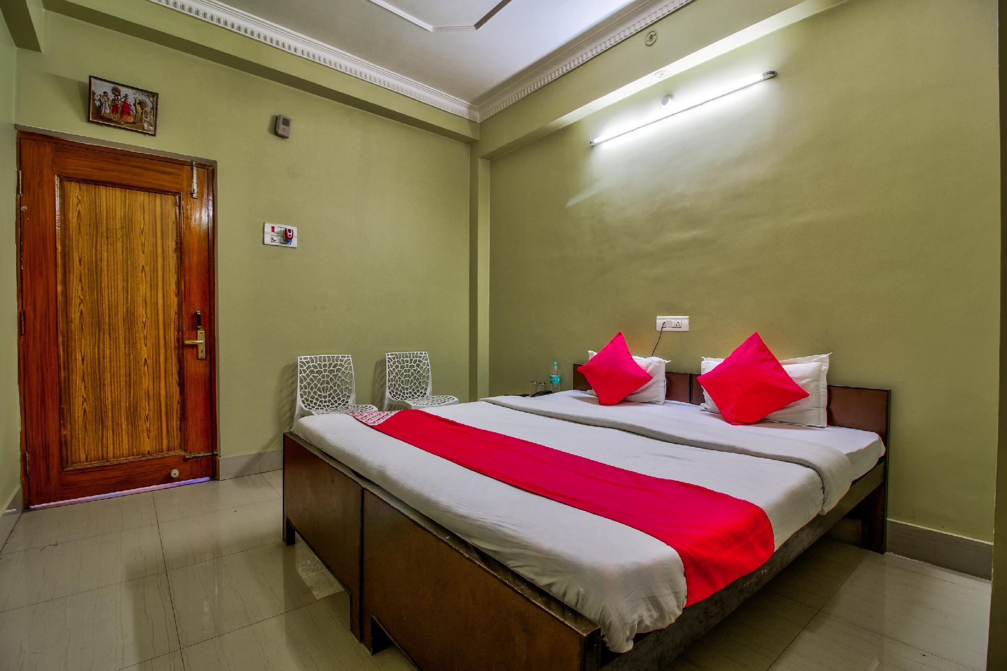 OYO 22434 Hotel Royal Arya