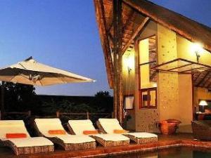 ปิลาเนสเบิร์ก ไพรเวท ลอดจ์ (Pilanesberg Private Lodge)