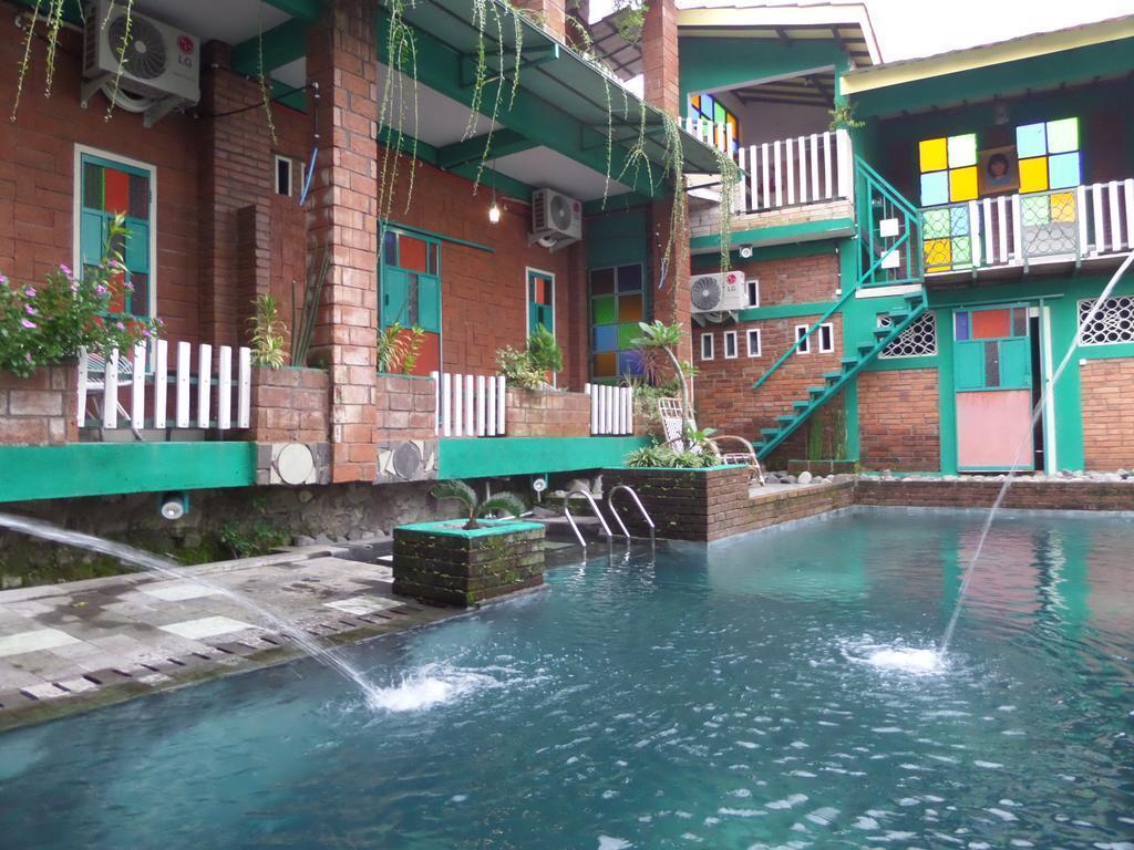 Decent Double Room Near Airport Adisucipto Yogya