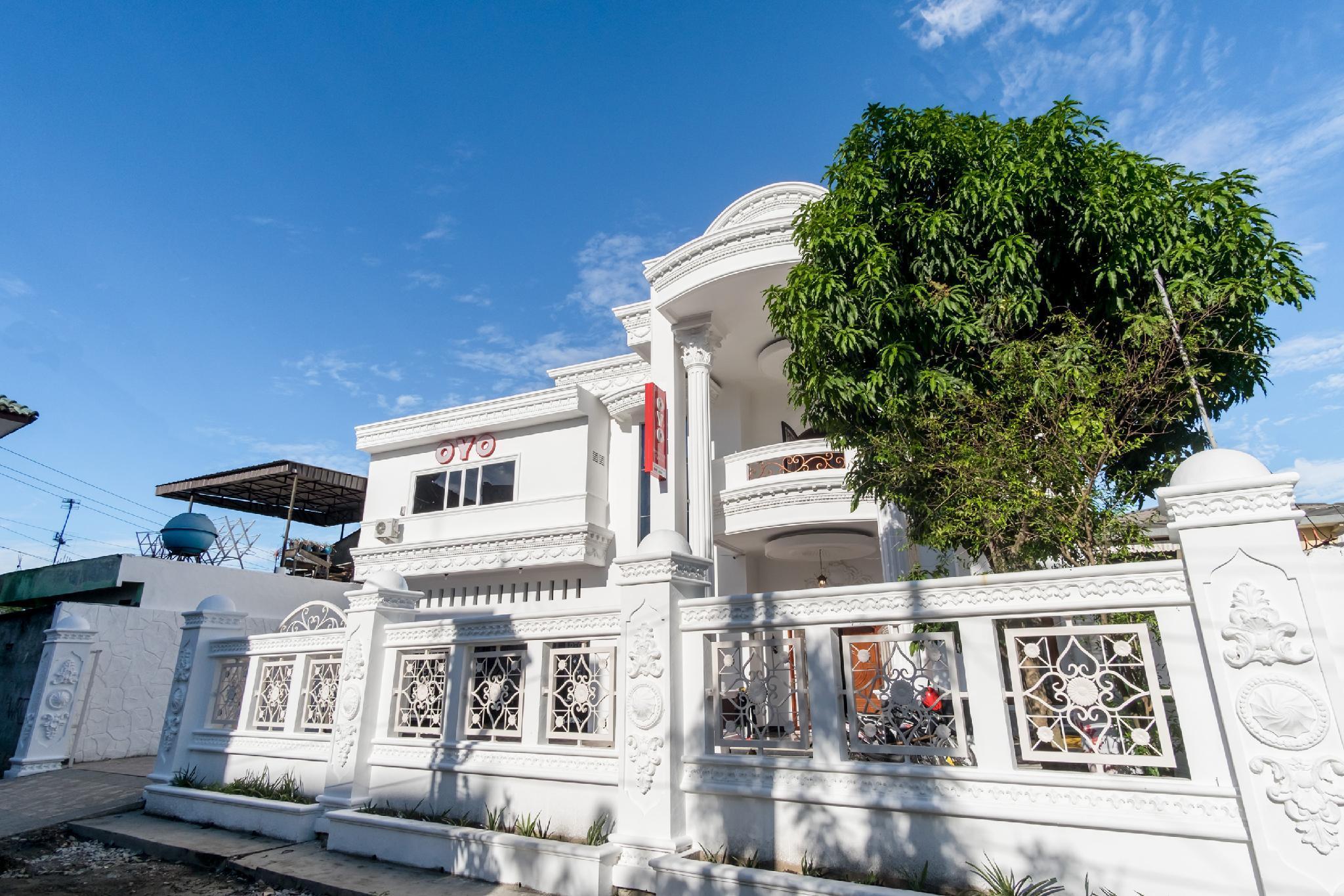OYO 471 Taj Residence Syariah