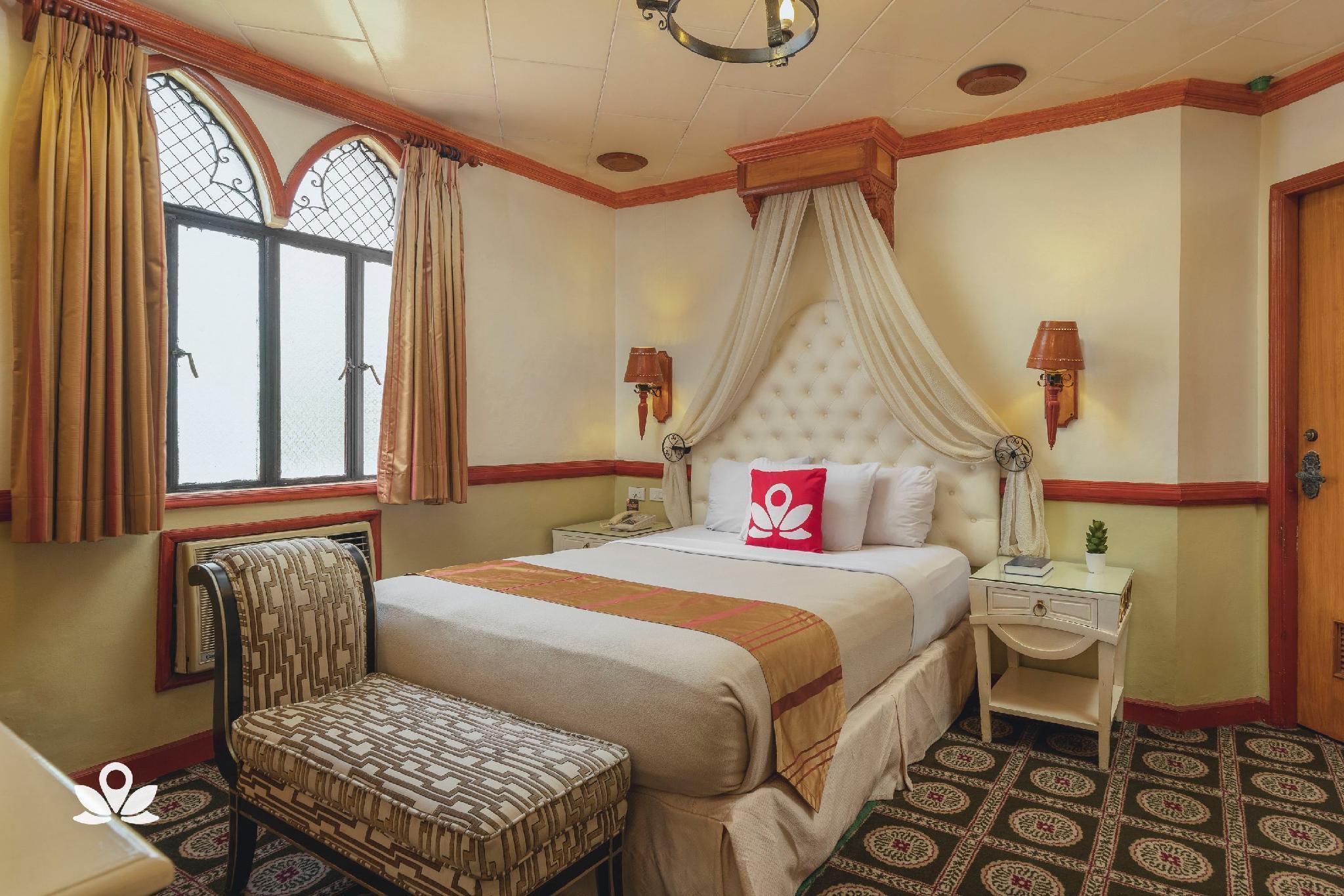 ZEN Rooms Camelot Hotel QC