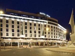 โรงแรมเนลว่าเมอร์เซีย (Hotel Nelva Murcia)