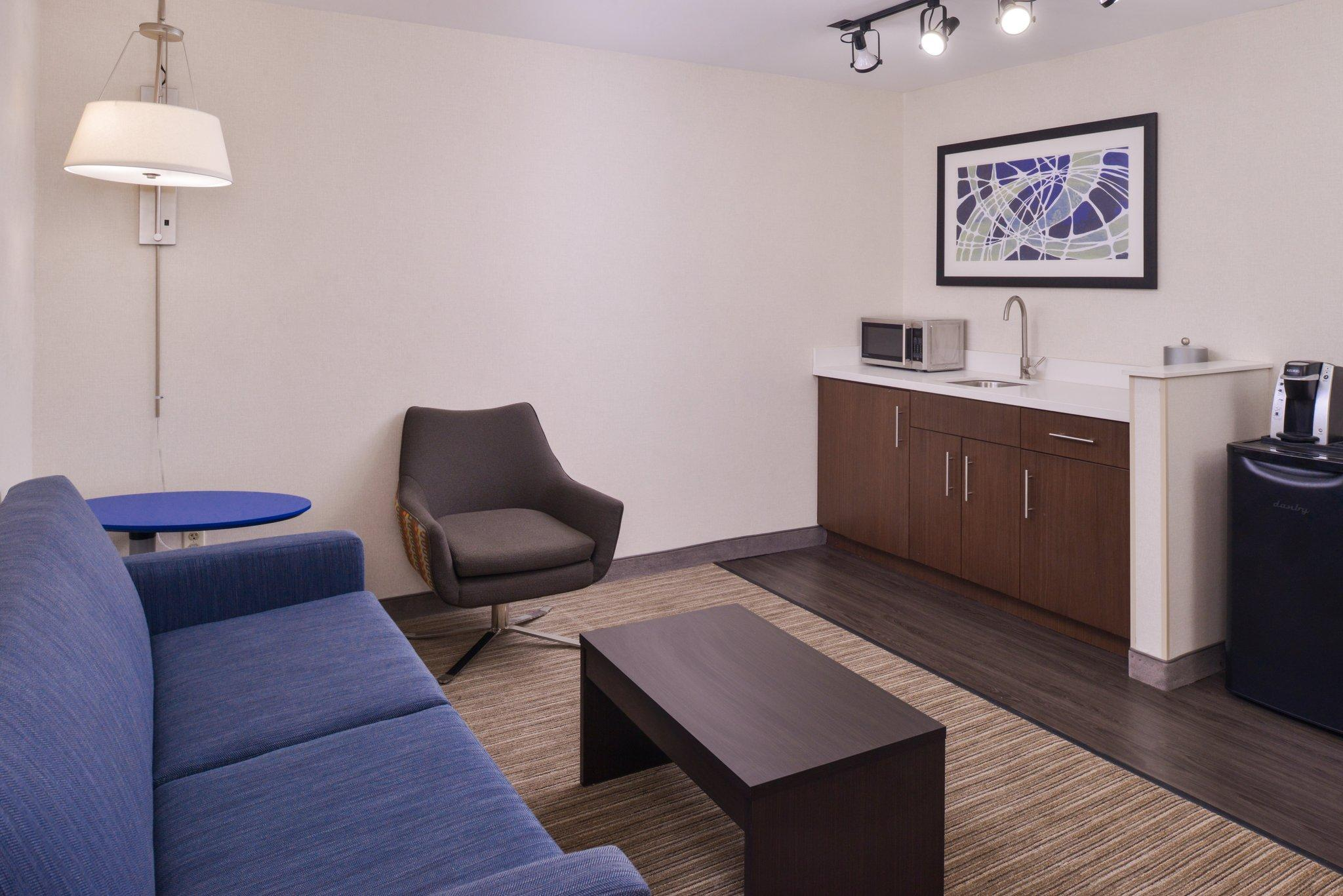 Holiday Inn Express Hotel & Suites Southfield   Detroit