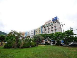 Sun House Hotel