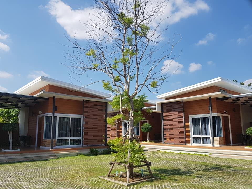 At Muangploy Resort แอท เมืองพลอย รีสอร์ท