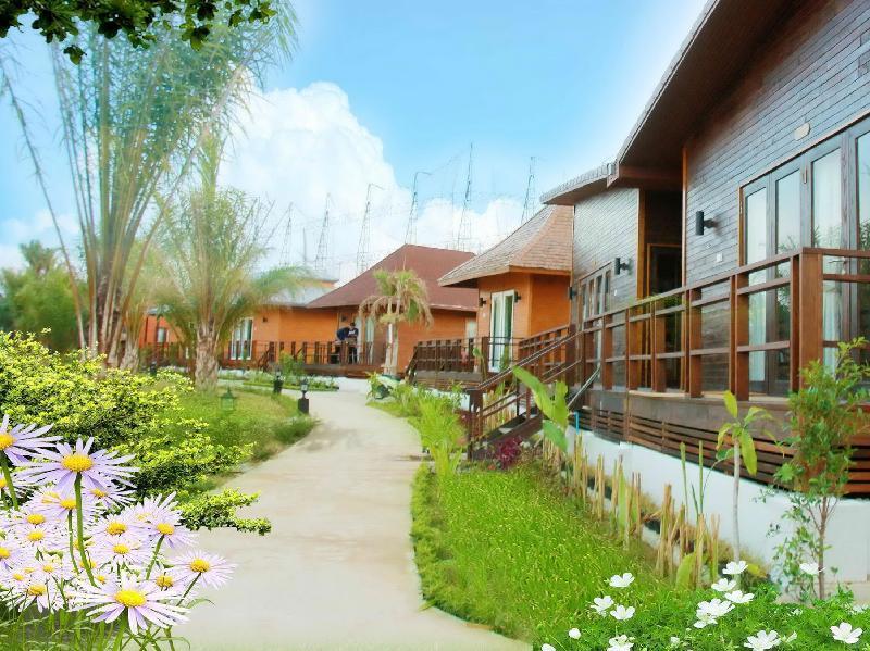 Golok Golf Club And Resort