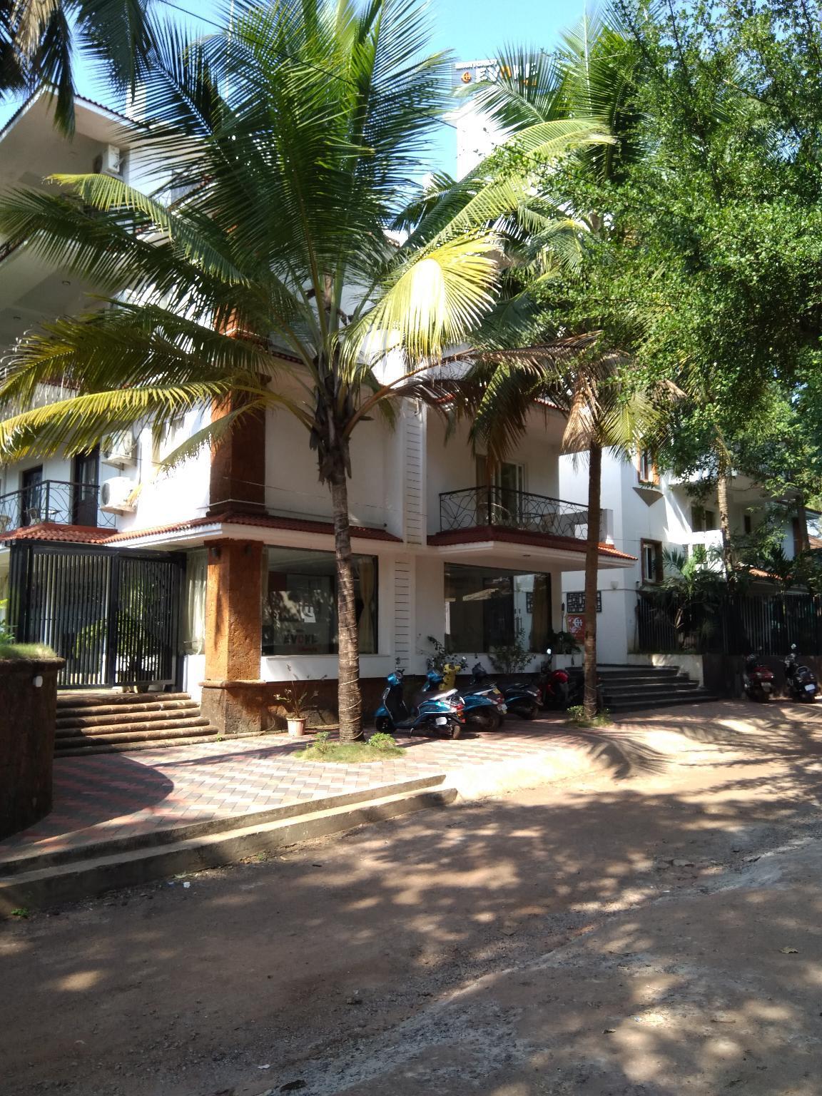 Hotel Karon Premium