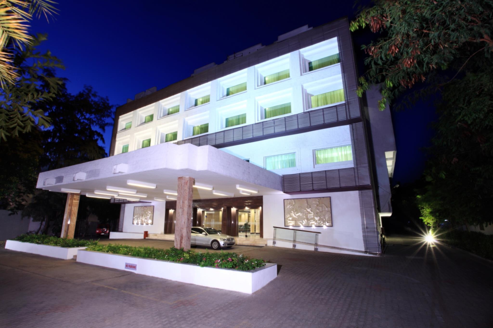 Abu Sarovar Portico Hotel   Chennai