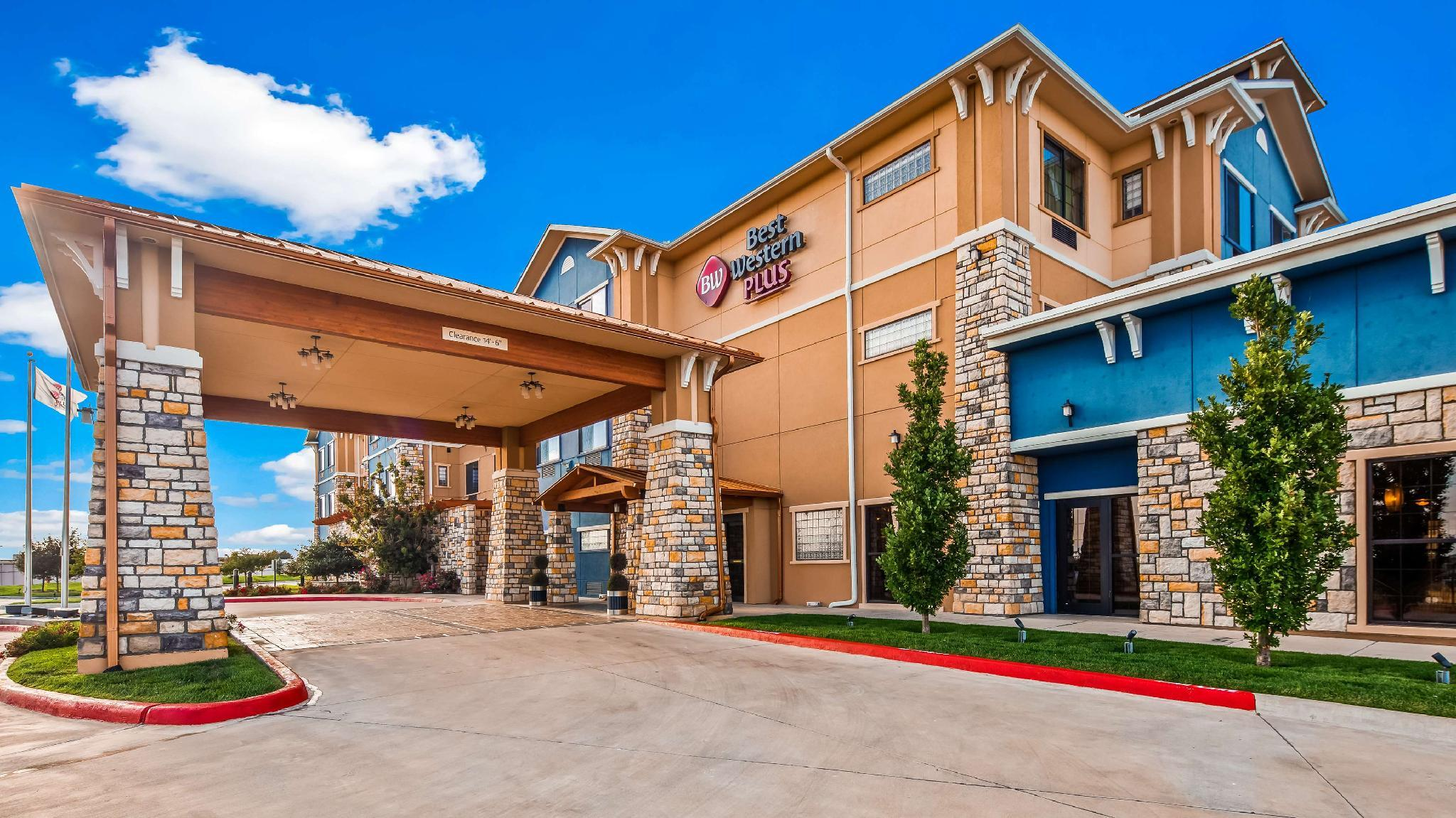 Best Western Plus Emerald Inn And Suites