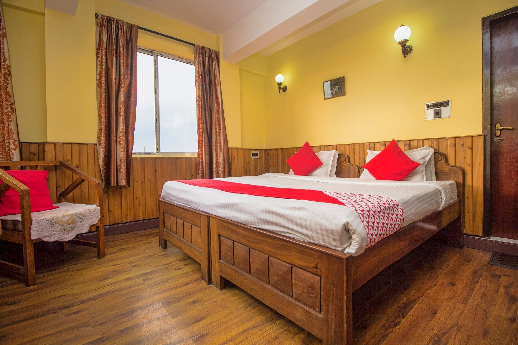 OYO 29081 Hotel Blue Spring Residency