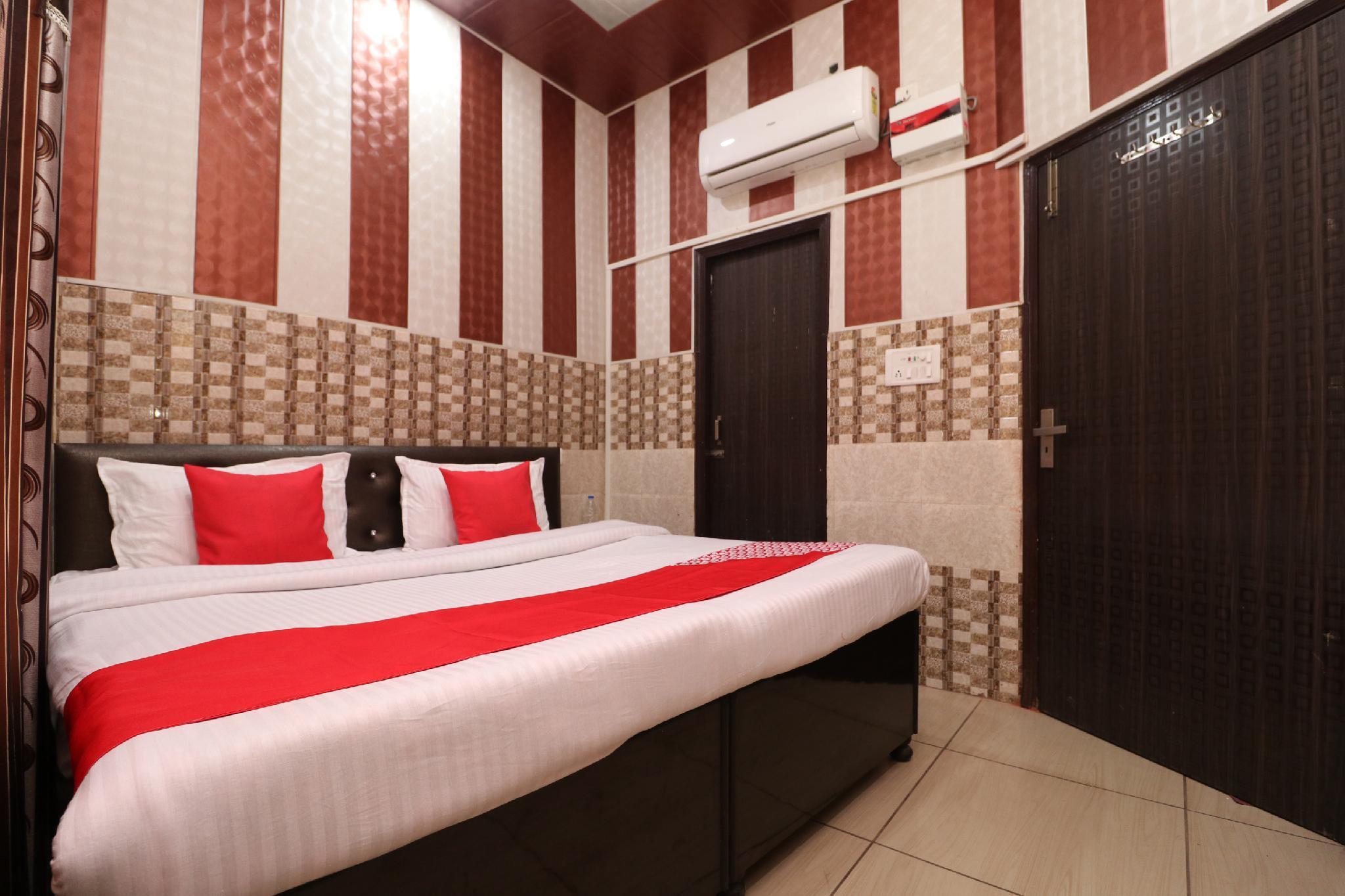 OYO 28409 Hotel Big City