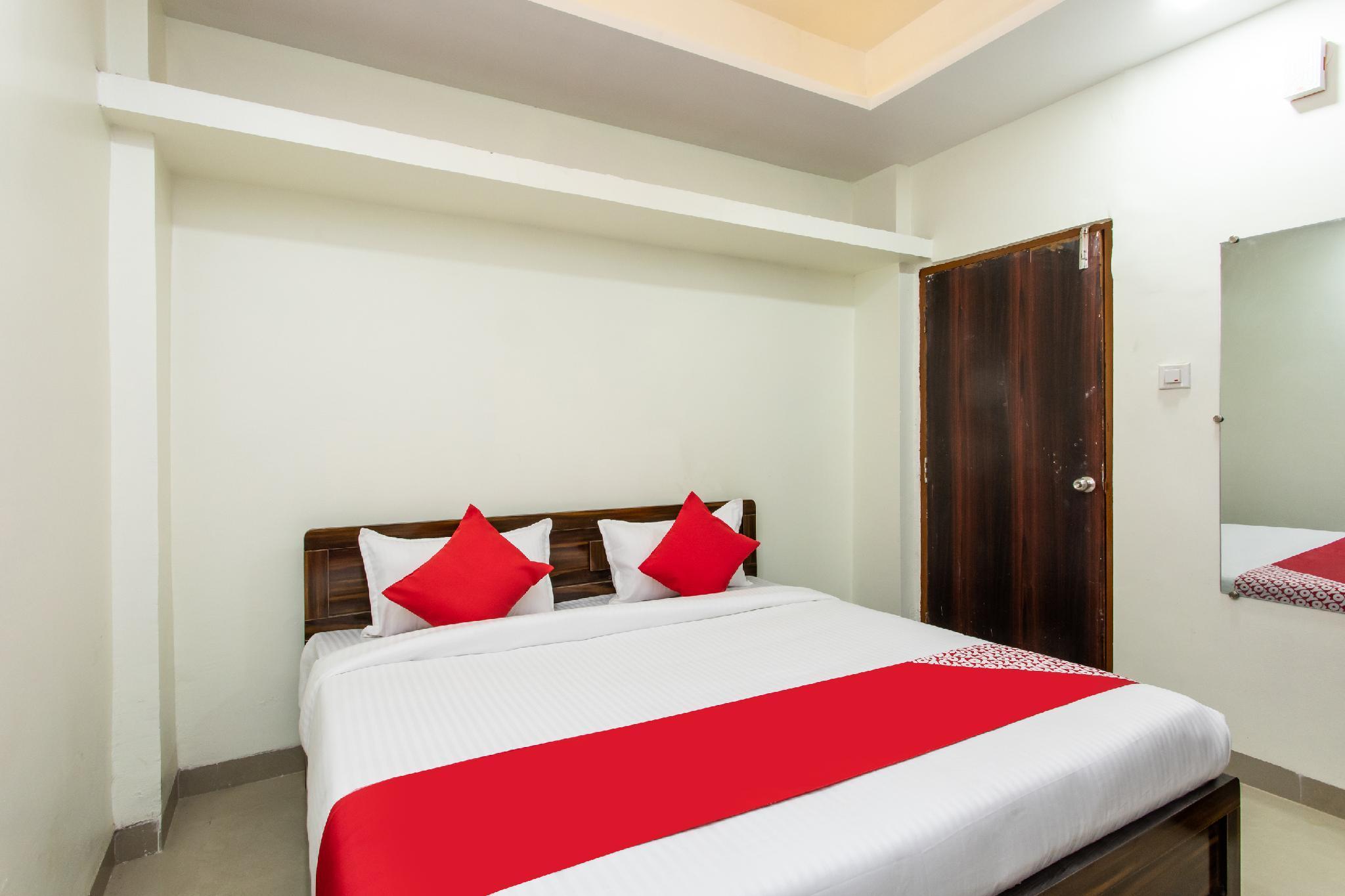 OYO 26904 Hotel Manjulam Regency