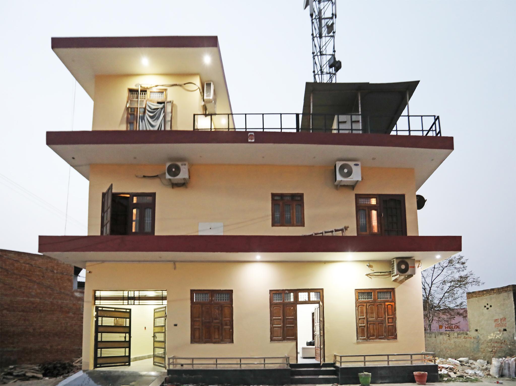 OYO 27710 Signature Villa