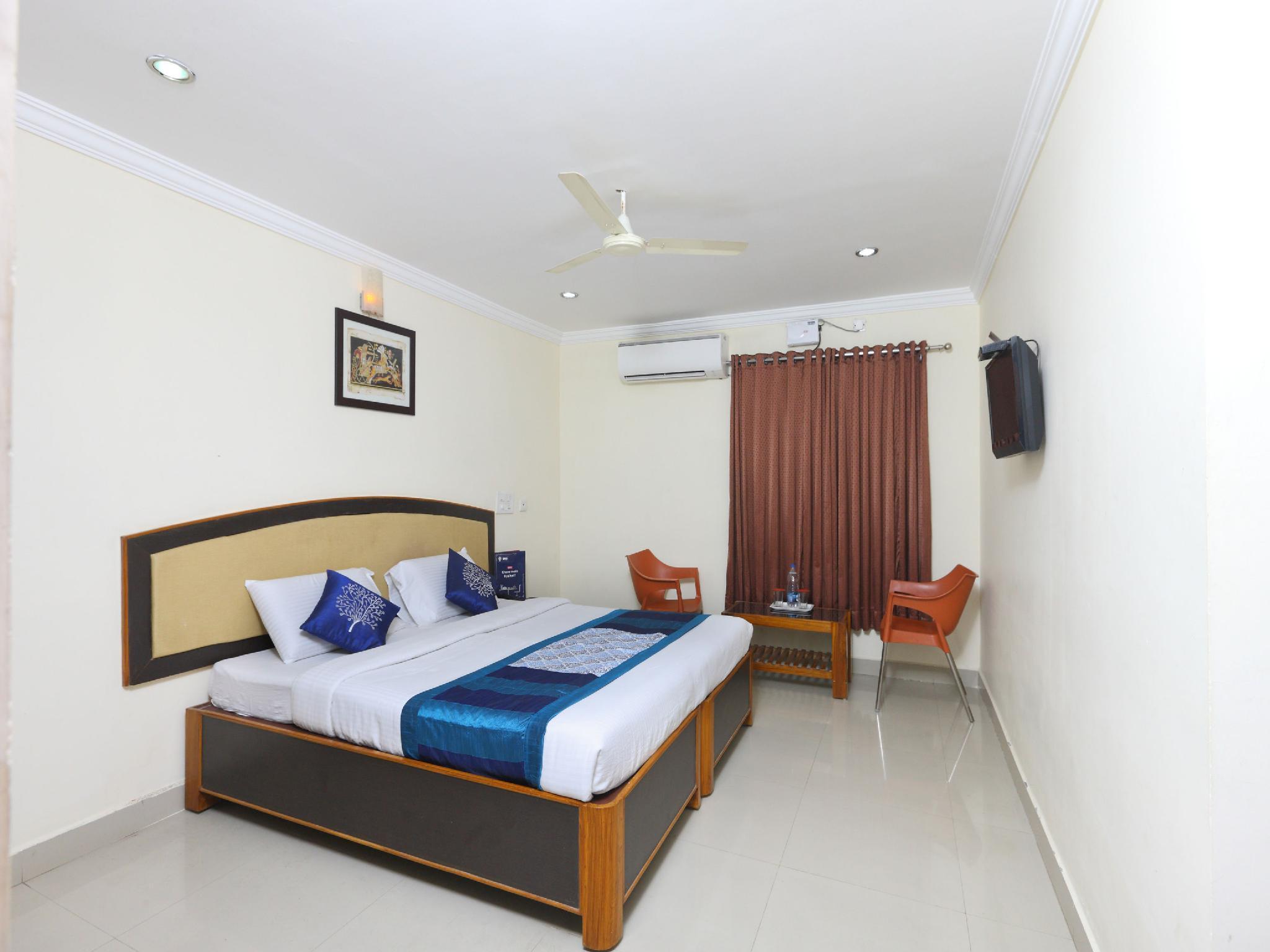 OYO 9349 Hotel Swaagat Residency
