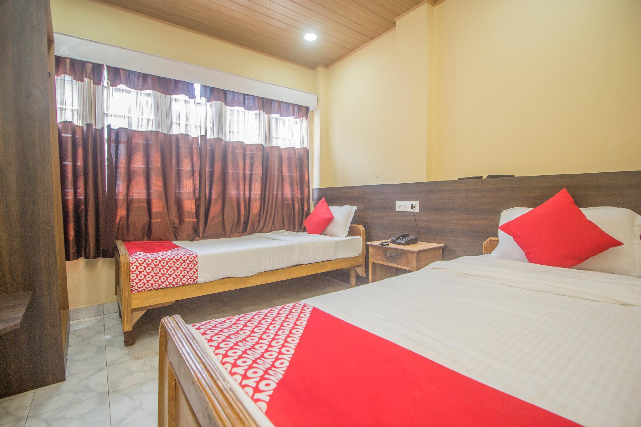 OYO 28230 Hotel Kalash