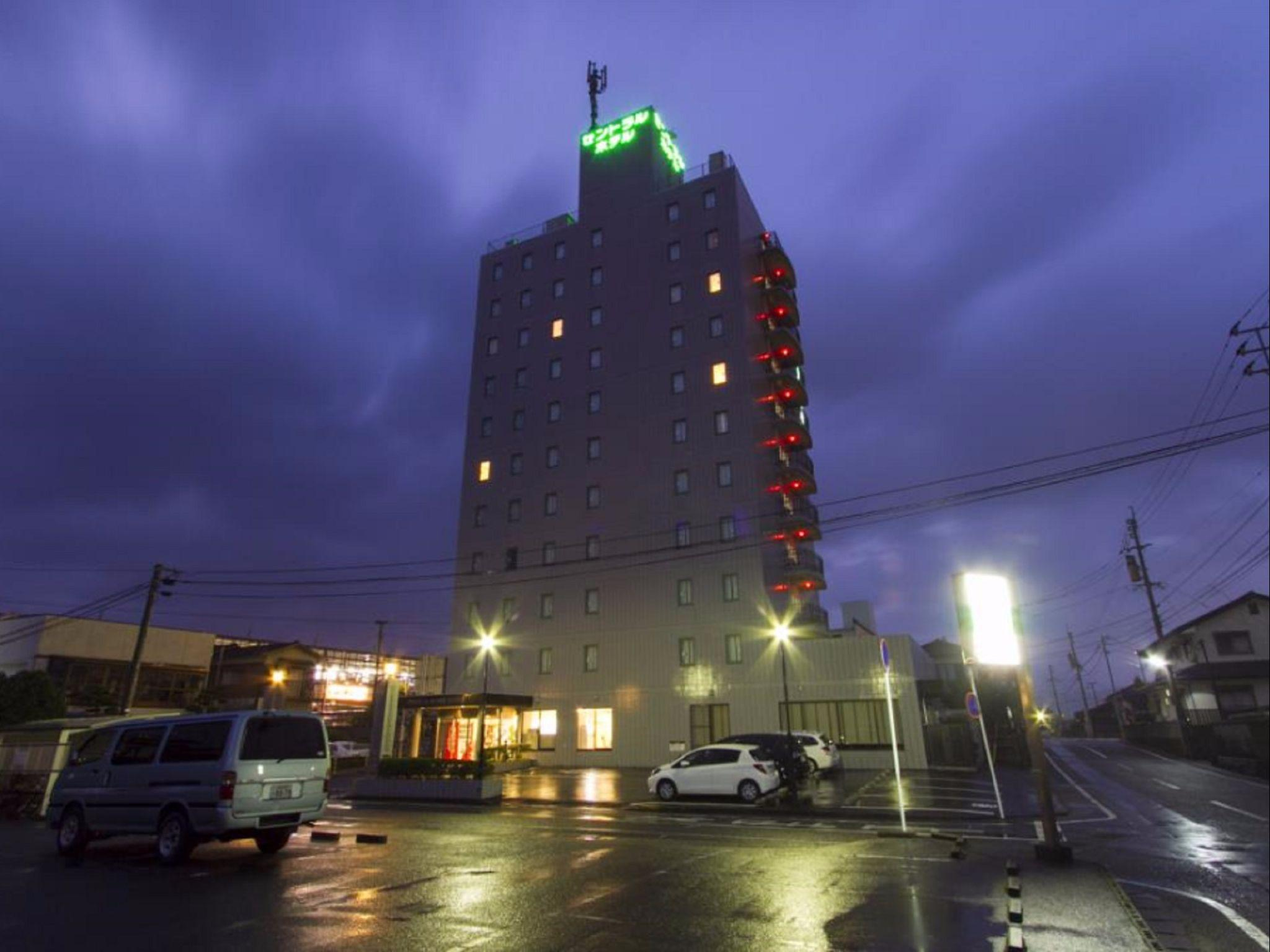 Central Hotel Takeo
