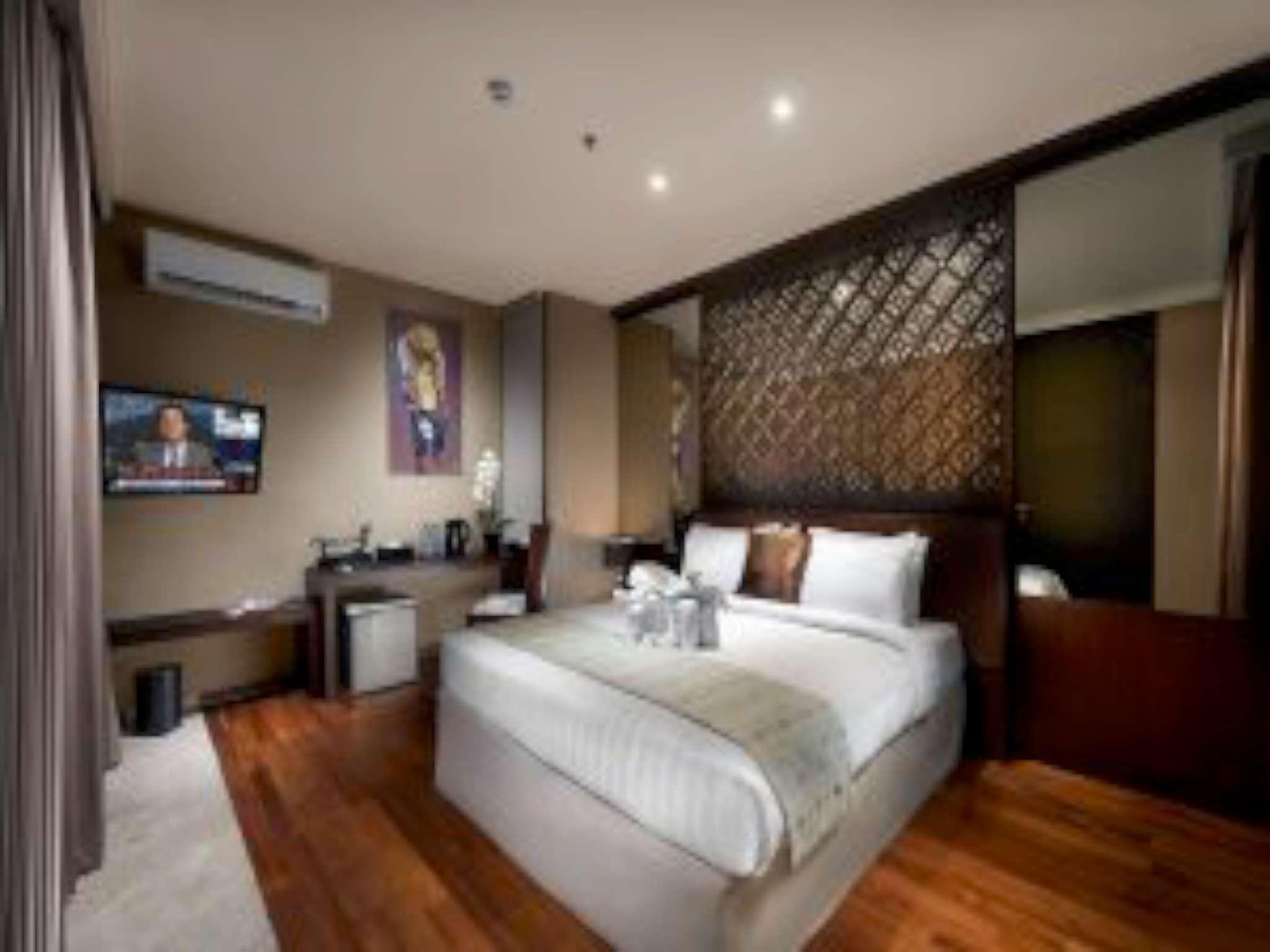Compound 12 Rooms At Uluwatu    Group Best Deal