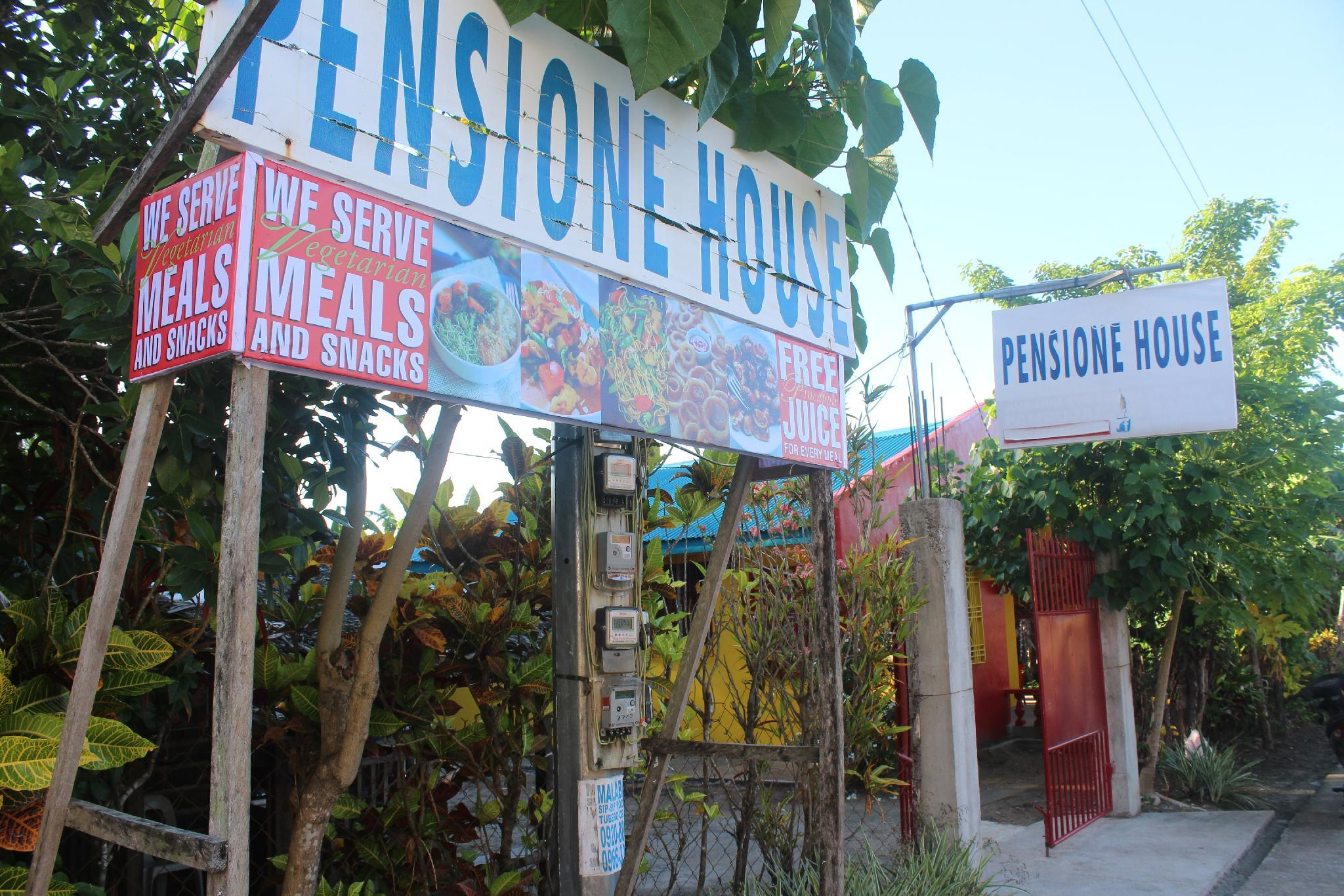 Fred And Flor Pension House + Gallery Cafe