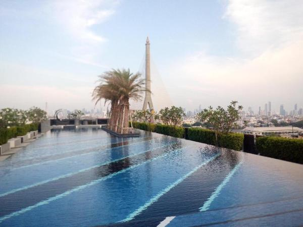 Cozy  place with rooftop swimming pool Bangkok