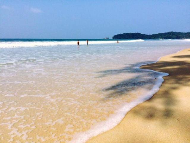 พยาม โคโค่นัท บีช รีสอร์ท – Phayam Coconut Beach Resort