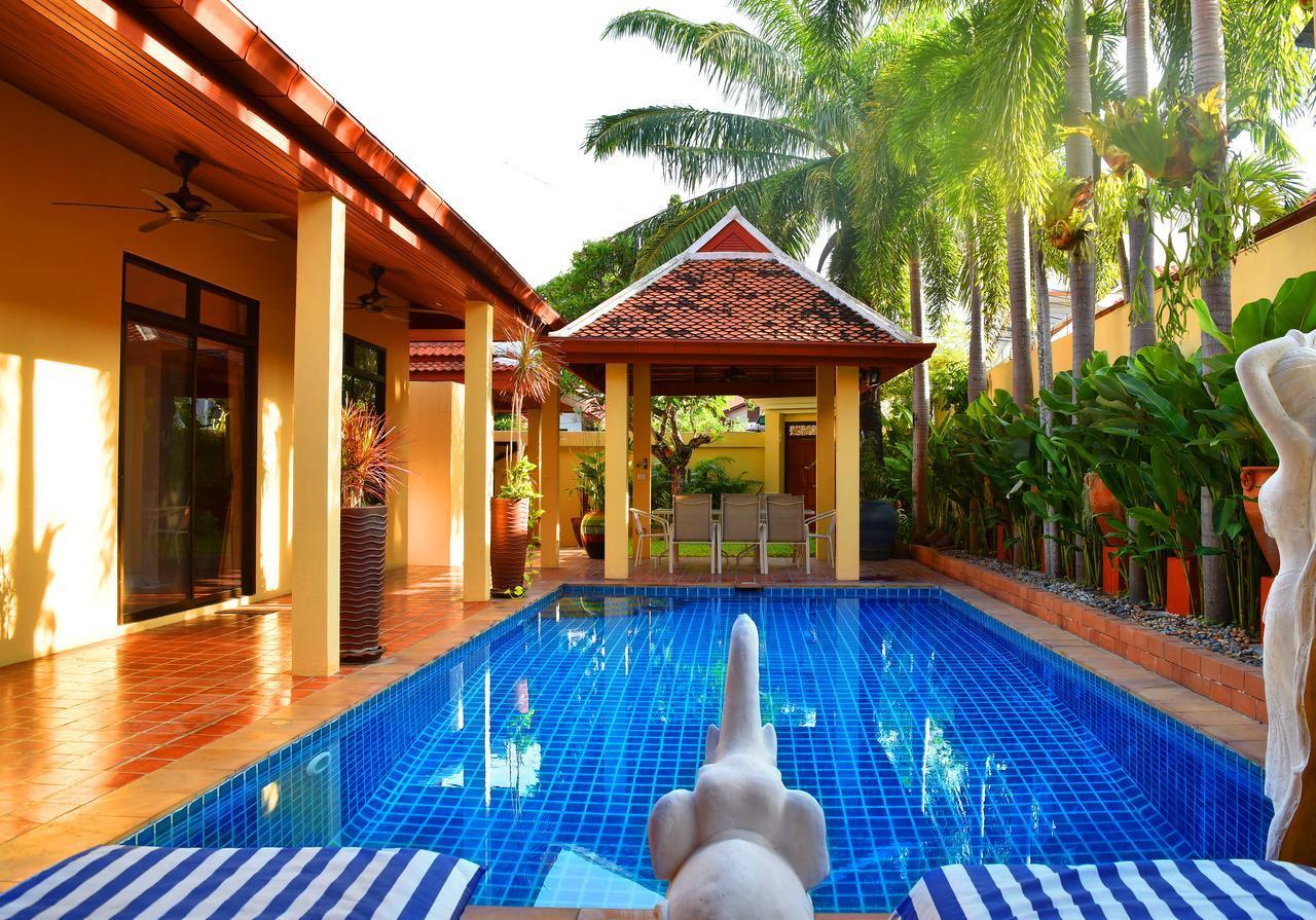 4 Bedroom Villa Private Pool BBQ And Free Parking