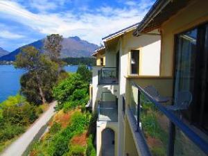 Villa Del Lago Hotel