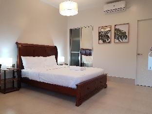picture 1 of Ocean Safari Suites